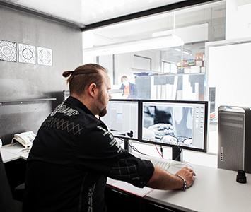 professionelle-bildbearbeitung-im-fotolabor